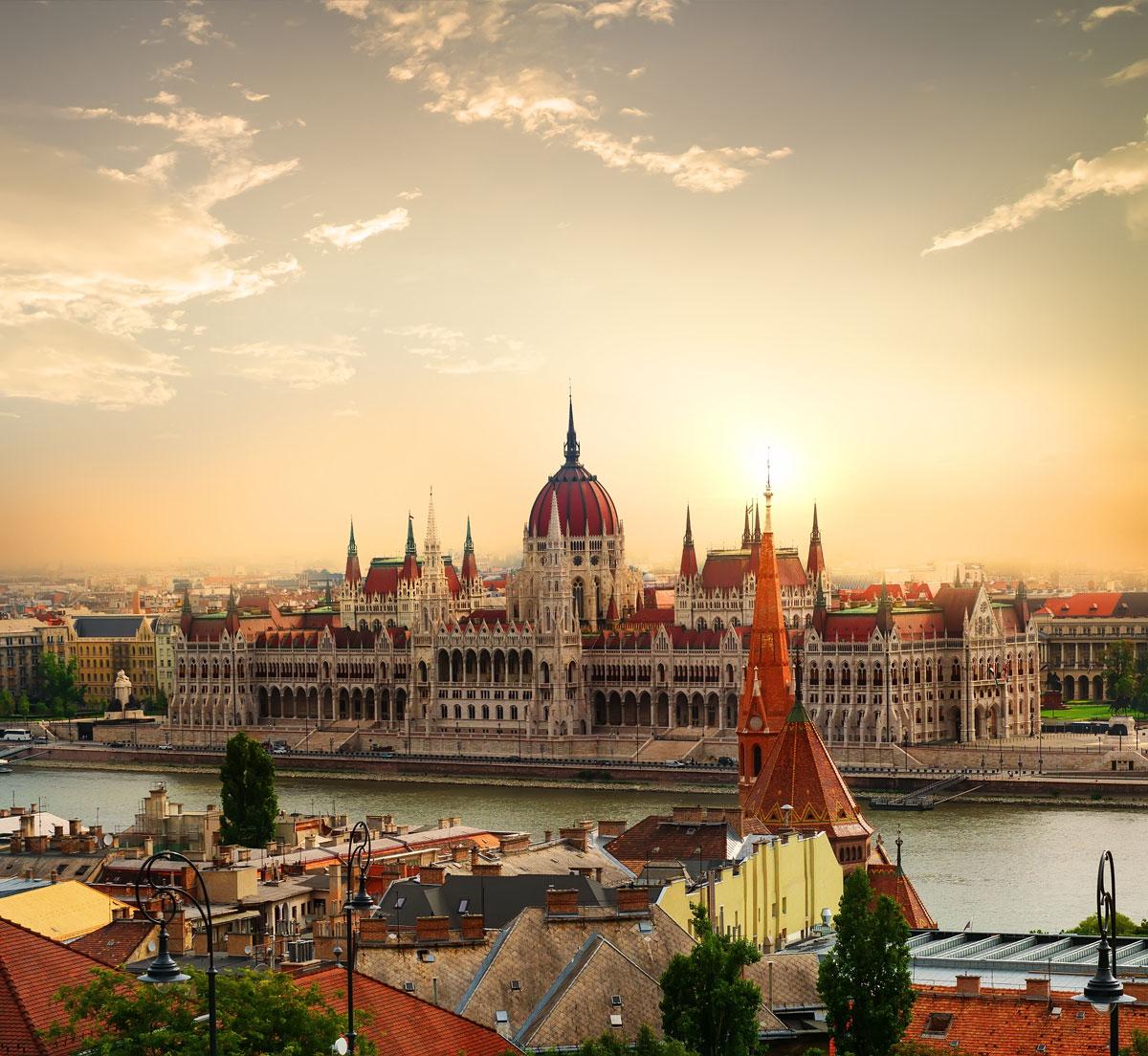 Le Parliament au coucher du soleil