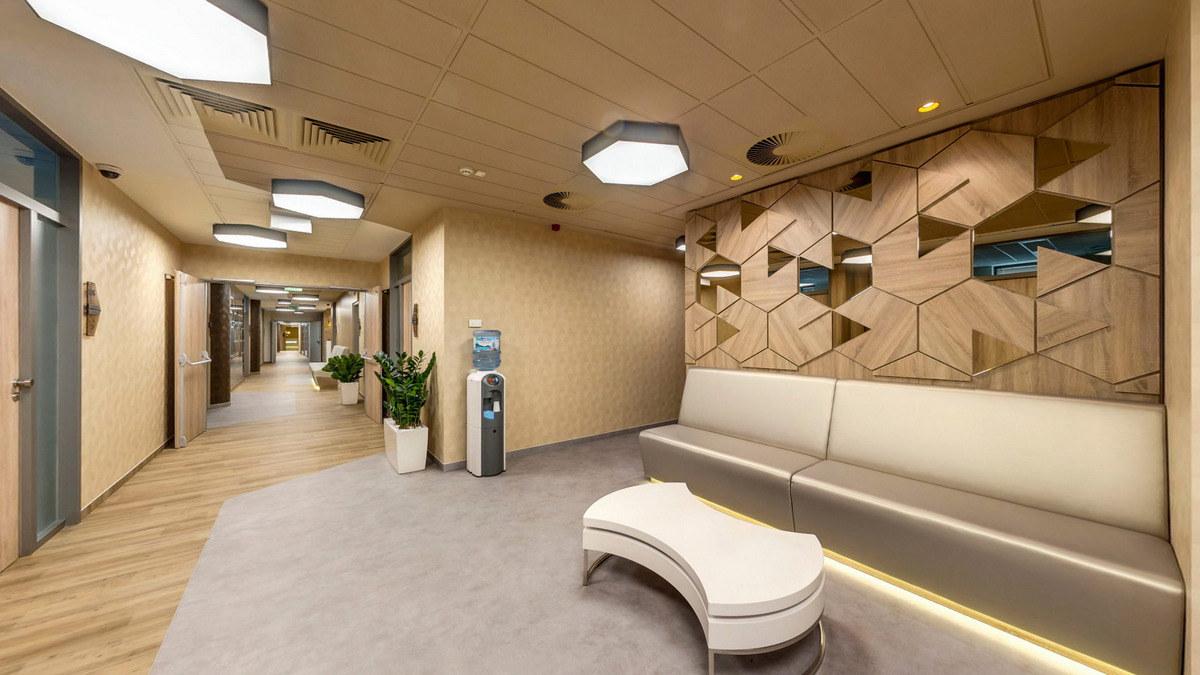 La salle d'attente de la clinique dentaire en Hongrie