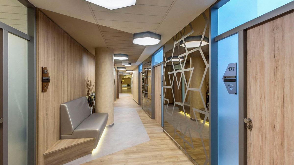 La salle d'attente de la clinique dentaire á Budapest